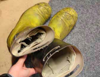 Stövlar som är sönder – Swedish Firefighters